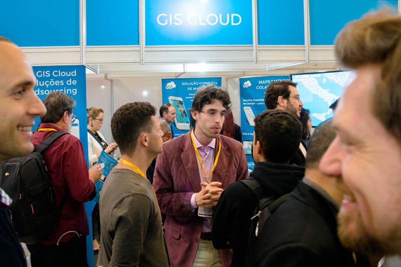 GIS Cloud presentation at MundoGeo #Connect 2017 Brazil